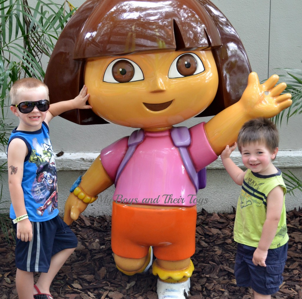 picture with dora