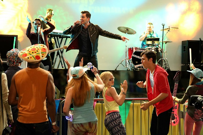 Liv and Maddie concert