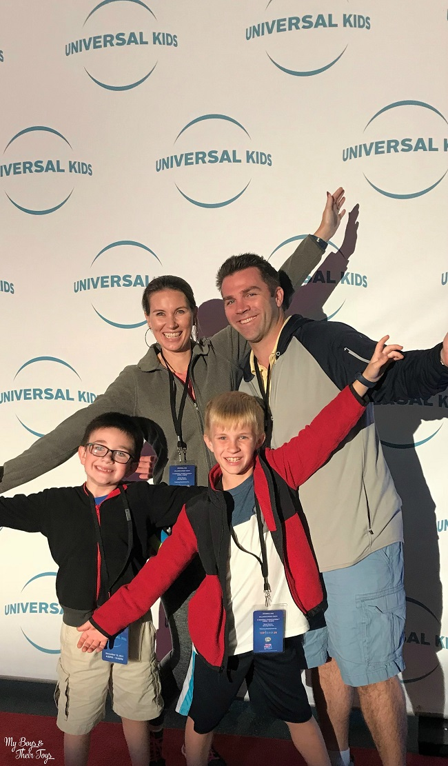 universal kids step and repeat